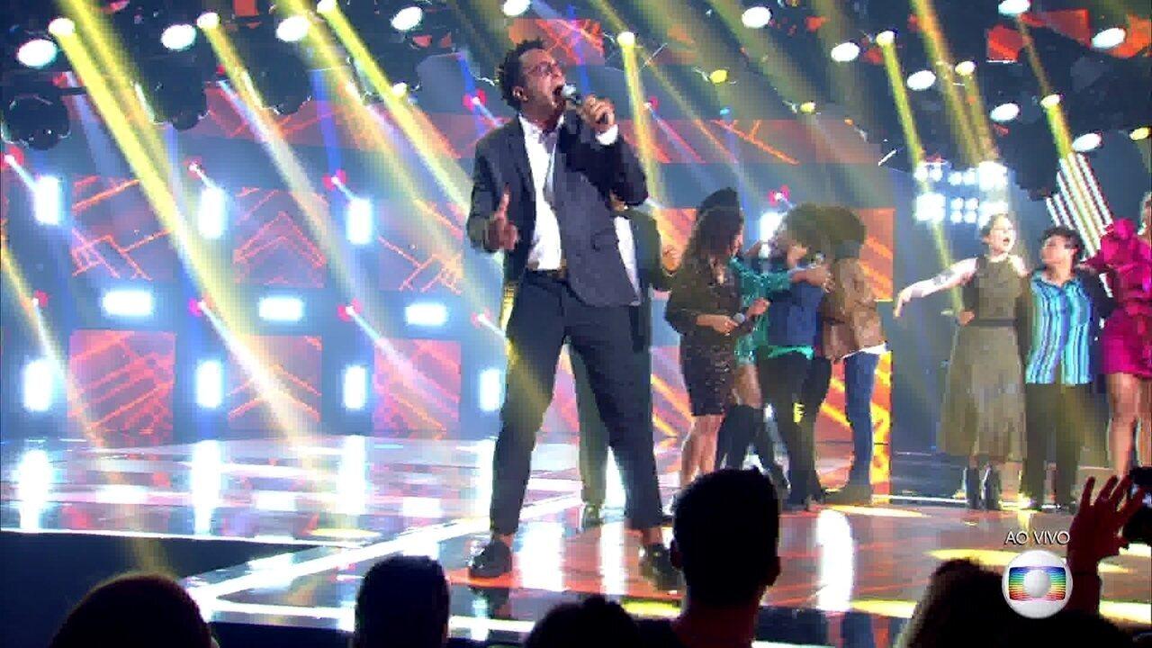 """Tony Gordon canta """"Você"""" na Final do The Voice Brasil"""