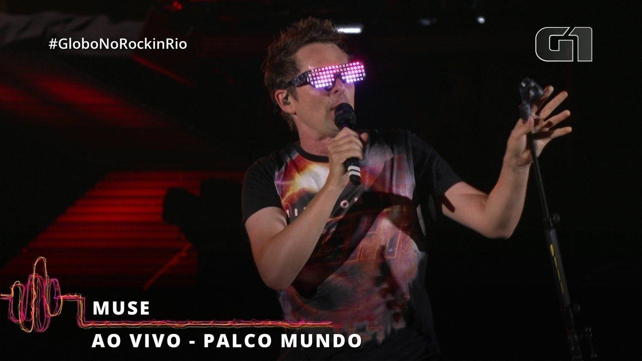"""Muse levanta o público com """"Uprising"""" no Palco Mundo"""