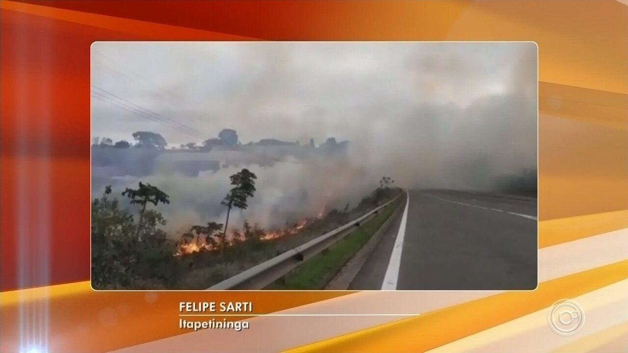 Bombeiros controlam dois incêndios em Itapetininga