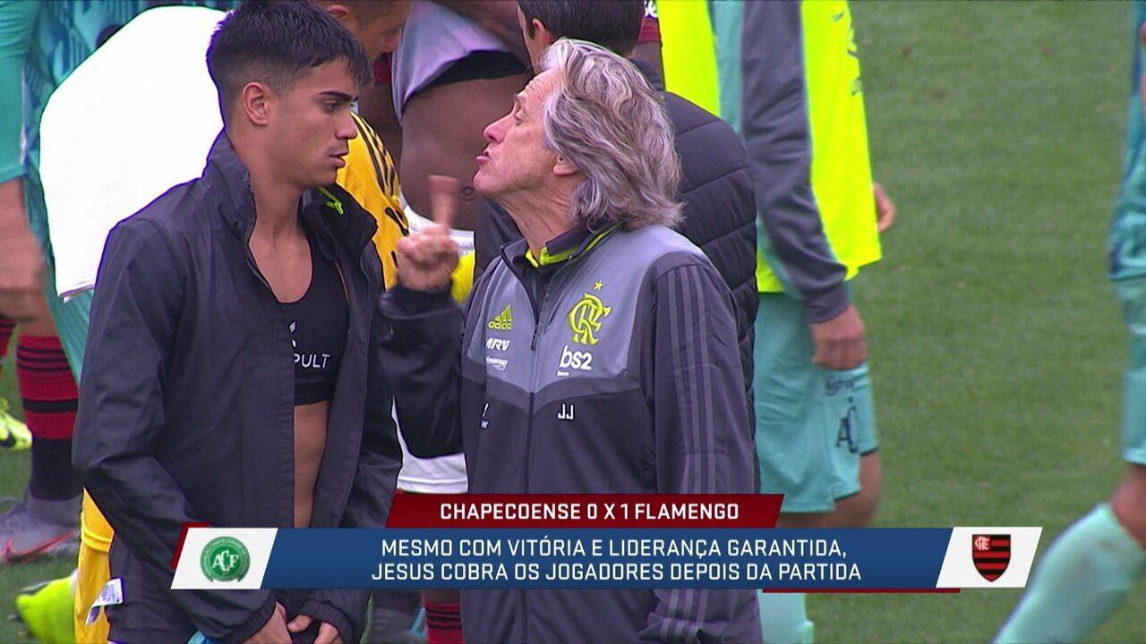 Loffredo e Fabiola criticaram o fato de Jesus dando bronca com Reinier e Rodrigo Caio no campo de jogo