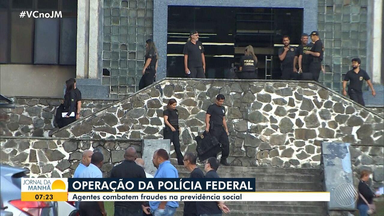 Polícia Federal realiza operação de combate a fraudes na previdência social, em Salvador