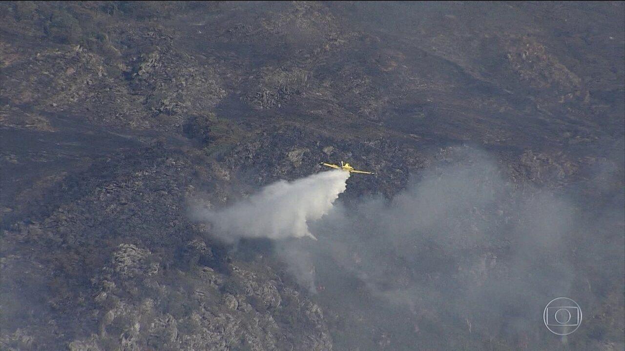 Incêndio atinge Parque Nacional da Serra do Cipó, em MG