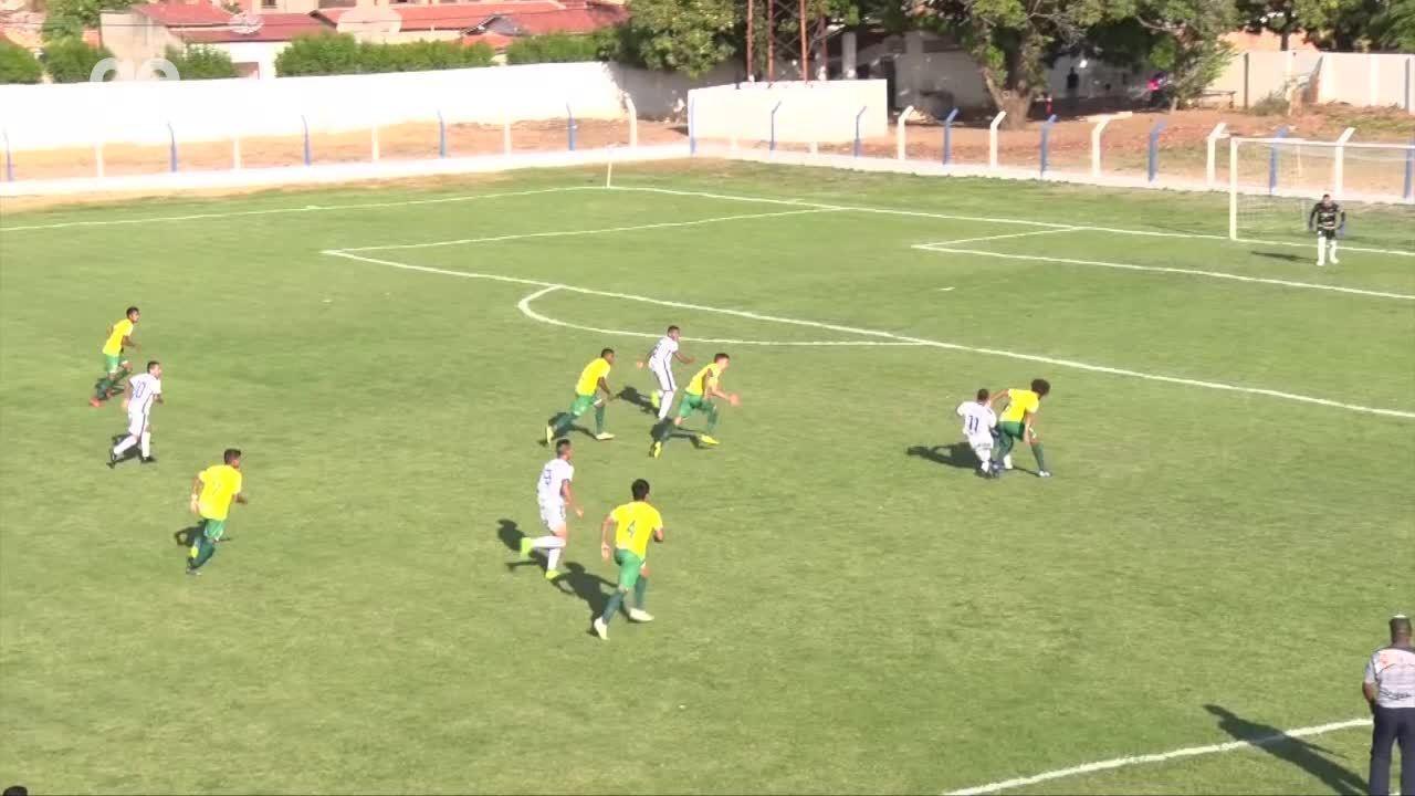 Oeirense venceu o Picos por 1 a 0 e está a um empate da final da Série B; relembre o jogo de ida