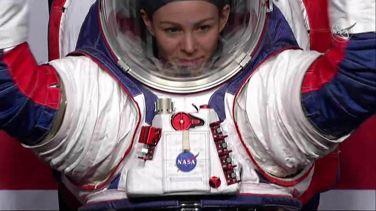 Nasa desenvolve trajes para mulheres pisarem na Lua