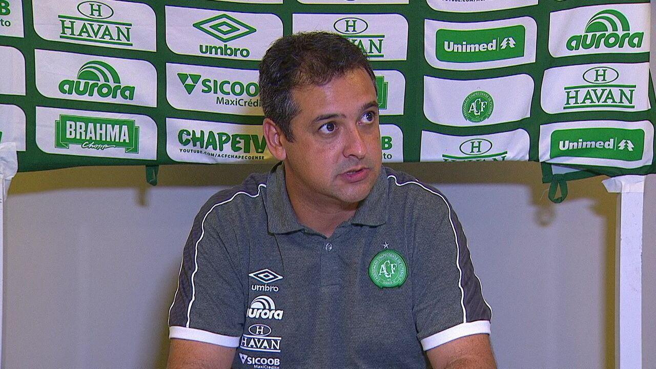 Coletiva de imprensa do técnico Marquinhos Santos