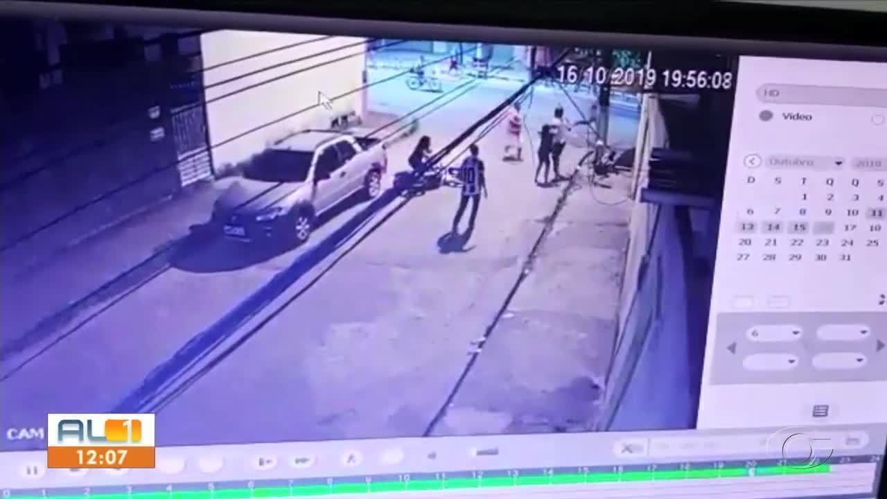 Homem suspeito de assalto é espancado por população
