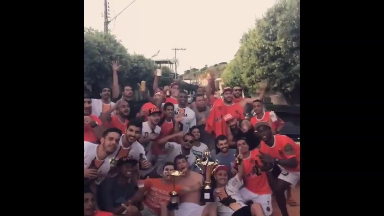 Bruno Antônio comemora título com Baxada FC, em Recreio