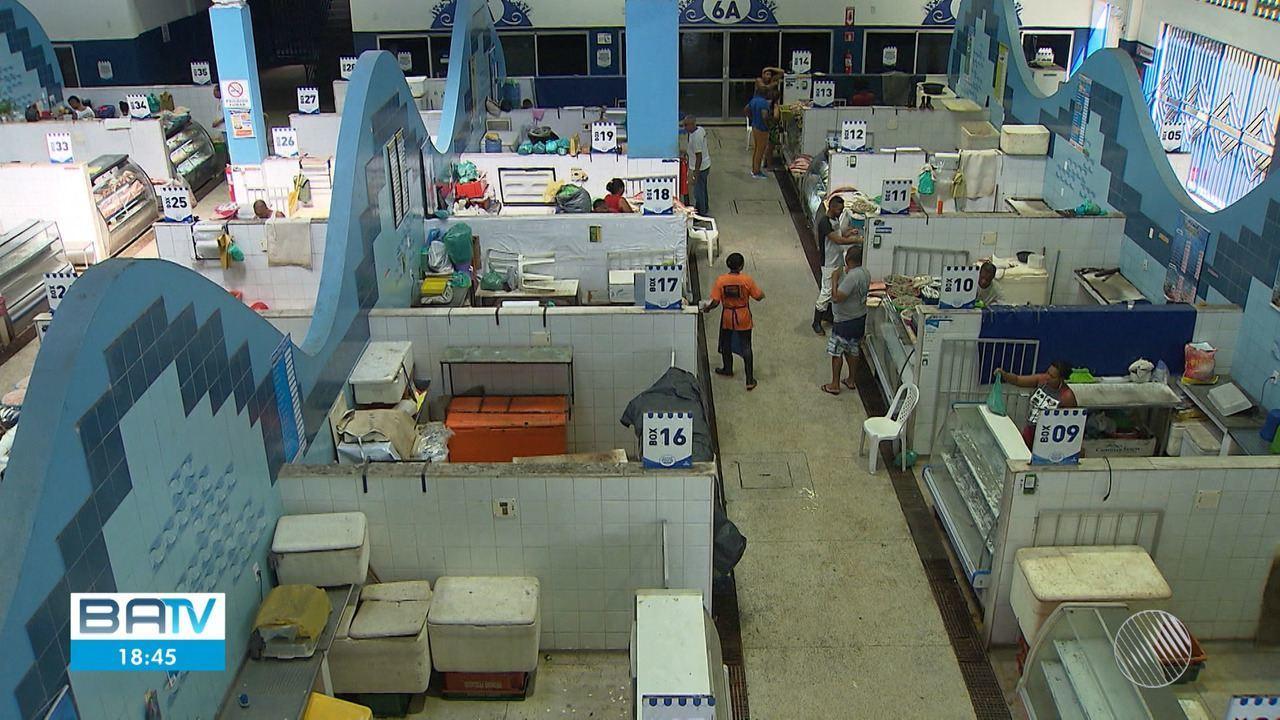 Venda de pescados cai 60% no Mercado do Peixe em Água de Meninos por causa do óleo