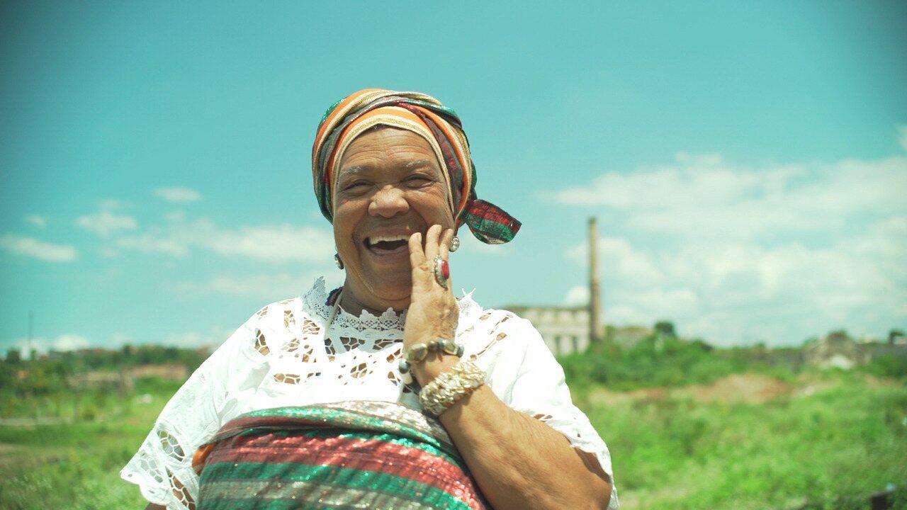 Estreia de 'Matriarcas do Recôncavo' mostra o samba de roda de dona Nicinha