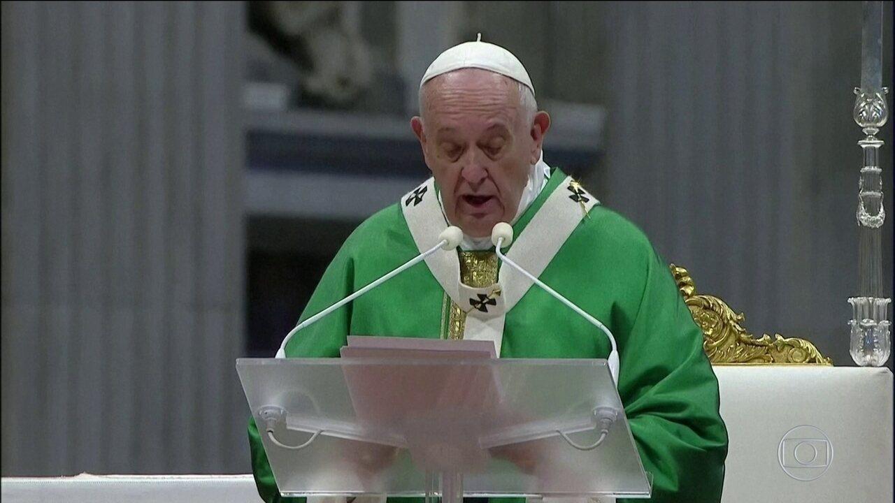 Papa Francisco pede respeito aos indígenas ao encerrar Sínodo da Amazônia