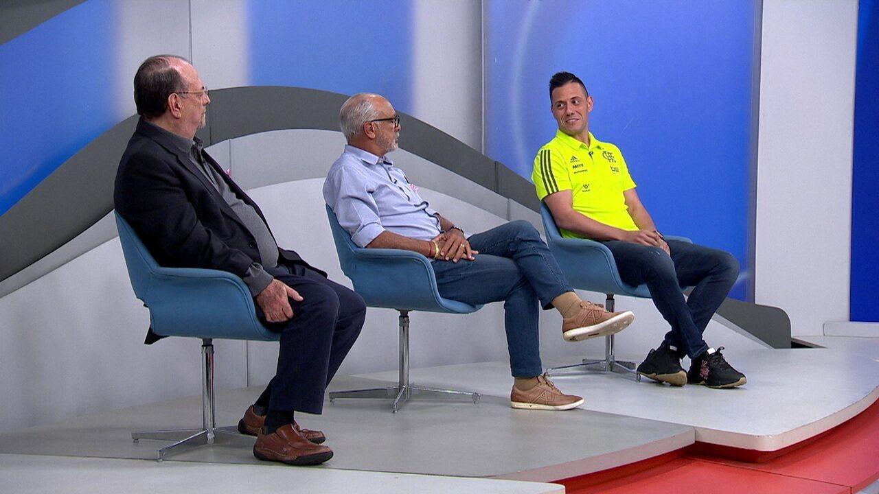 """Diego Alves explica expressão """"jogar a Flamengo"""" que virou uma referência, mas falta título para marcar a história"""