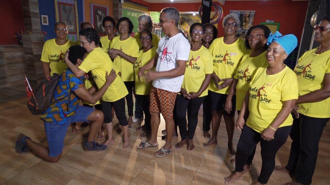 Em Cajazeiras, Aldri visita algumas senhoras que transformam o bairro através da dança