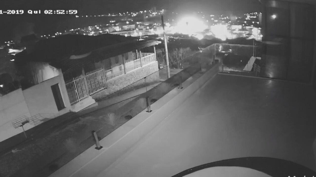 Vídeo mostra explosão de padaria em Formiga
