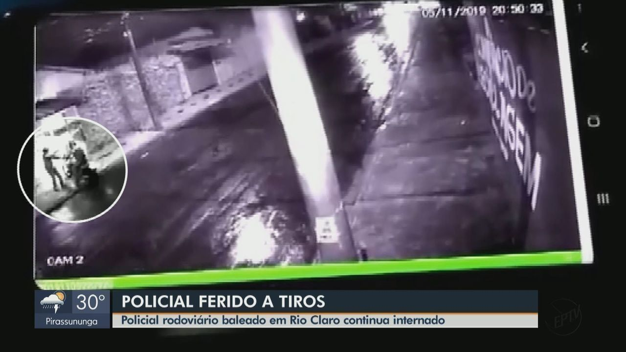 Vídeo de câmera de segurança mostra momento em que policial rodoviário foi abordado no portão de sua casa, em Rio Claro (SP).