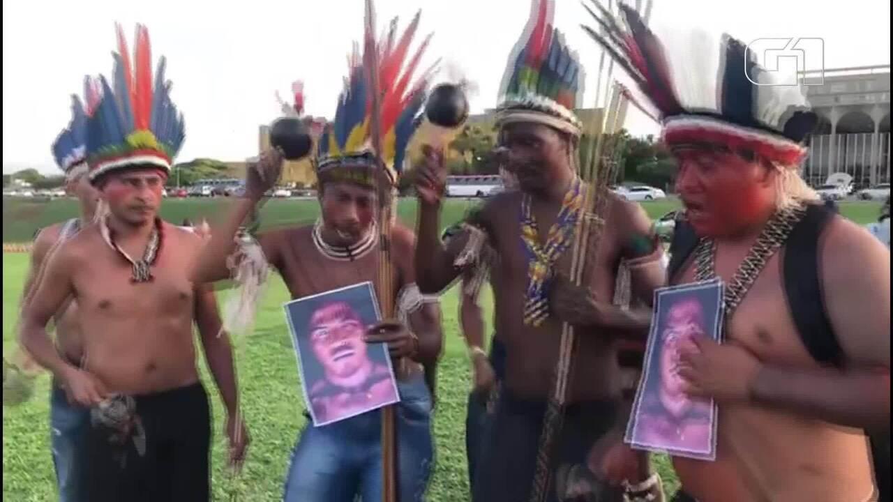 Indígenas protestaram, em Brasília, contra a morte de líder Paulo Paulino Guajajara, no Maranhão