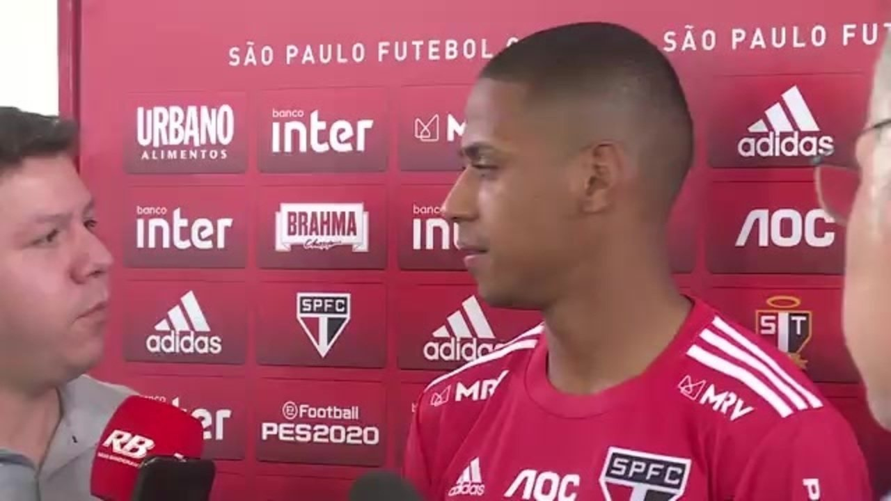 """Bruno Alves diz que Raí fez bem em cobrar o elenco e projeto clássico """"intenso"""" contra o Santos"""