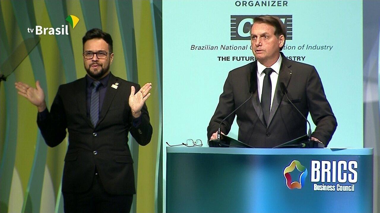 Bolsonaro discursa durante reunião da cúpula dos Brics em Brasília