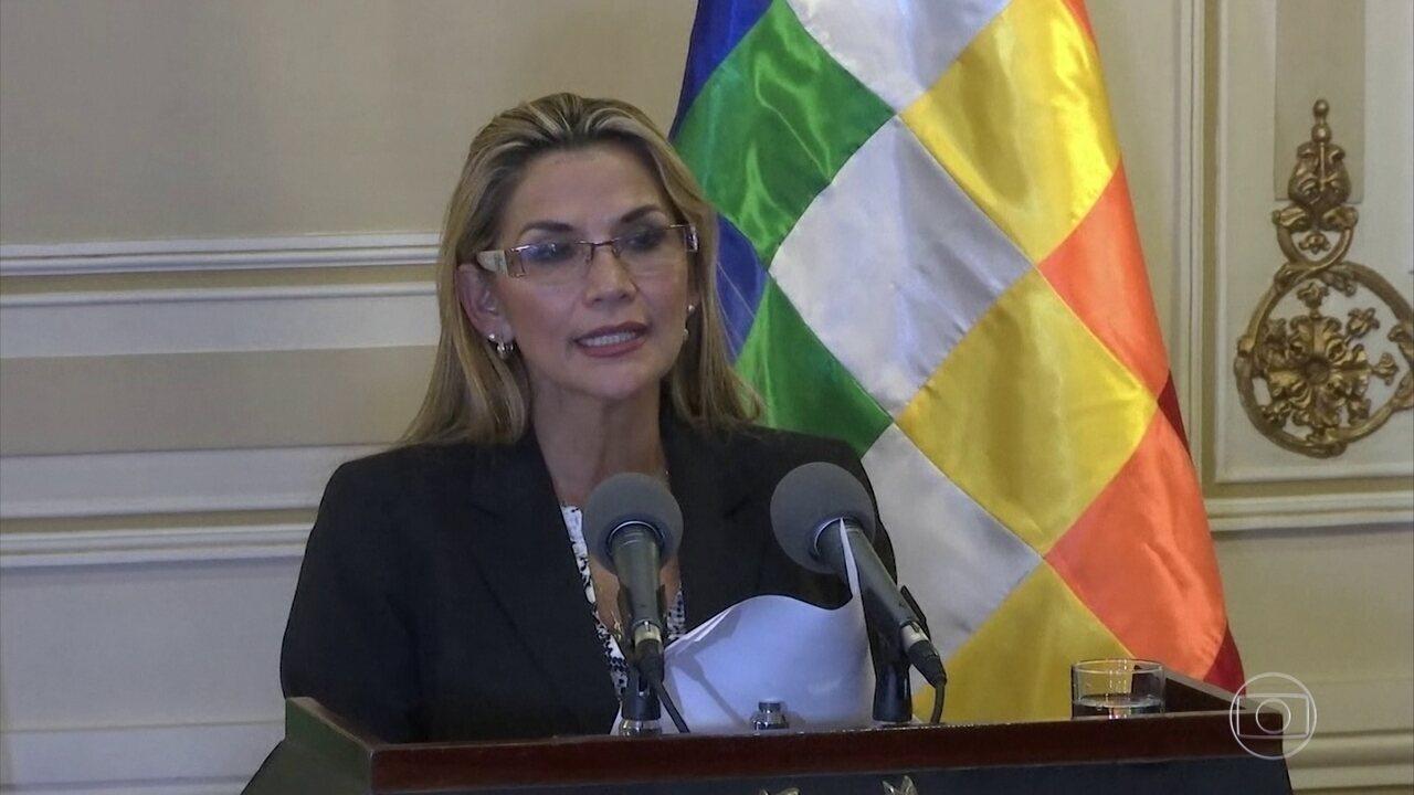 Presidente interina da Bolívia empossa nova cúpula das Forças Armadas
