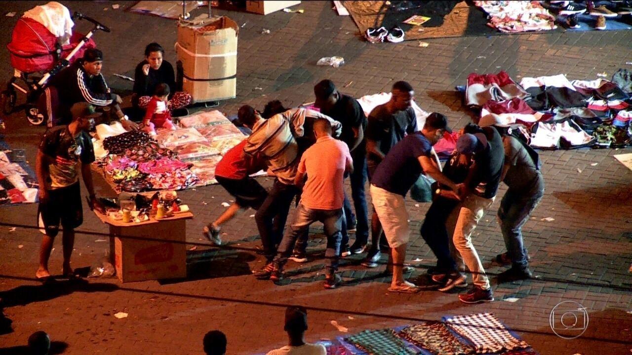Assaltantes atacam consumidores no comércio de rua de SP