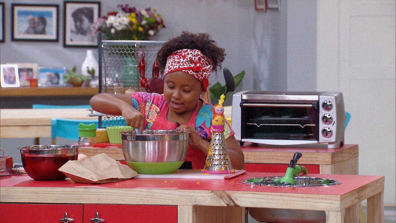 Hora do Lanche - Kapim ensina a fazer pães de beterraba e espinafre, e um bolinho de legumes. A ideia é fazer com que as crianças deixem de lado beliscos nada saudáveis no meio da tarde.