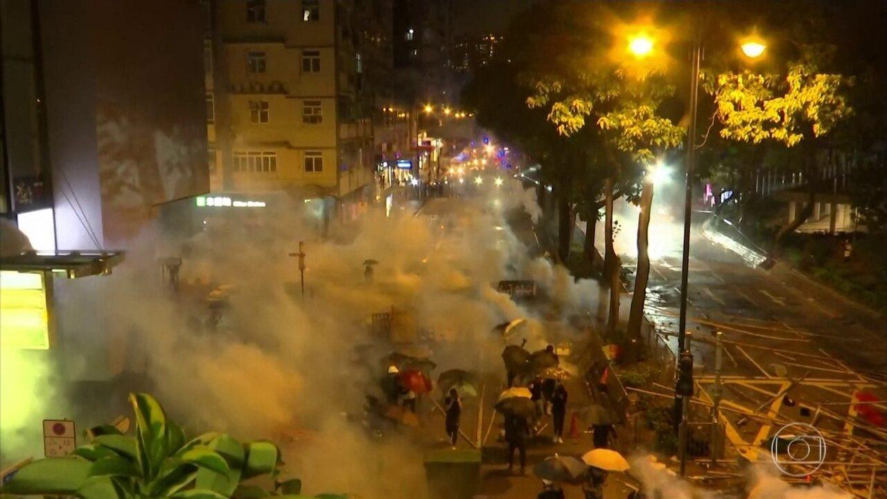 China acusa EUA e Reino Unido de interferirem na crise em Hong Kong