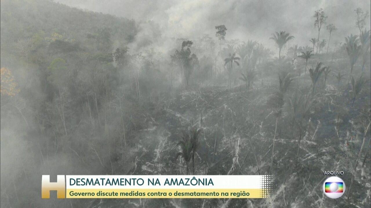 'Você não vai acabar com desmatamento nem com queimadas, é cultural', diz Bolsonaro