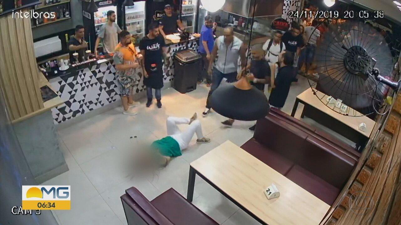 Vídeo mostra mulher sendo agredida por homem em bar de BH