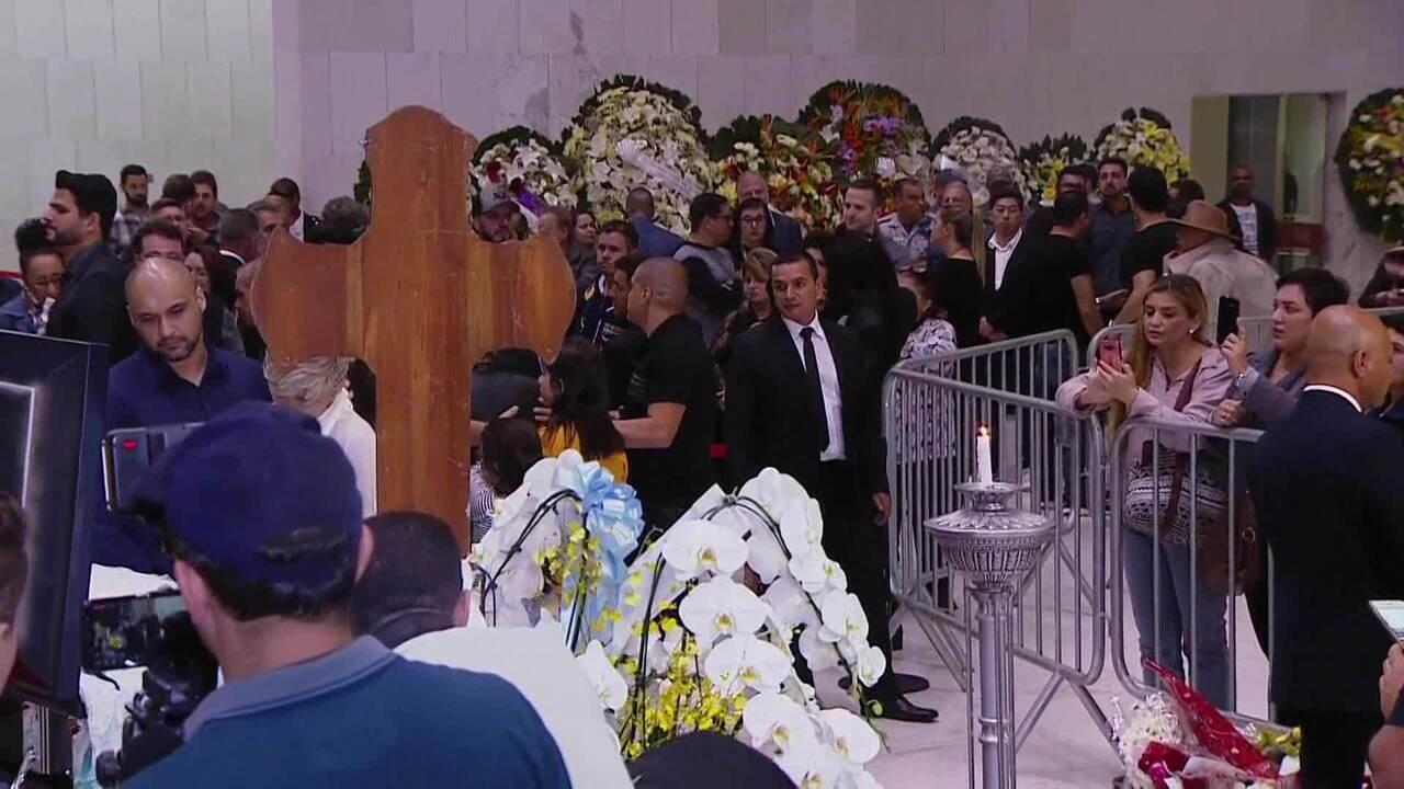 Corpo de Gugu Liberato é velado na Assembleia Legislativa de São Paulo