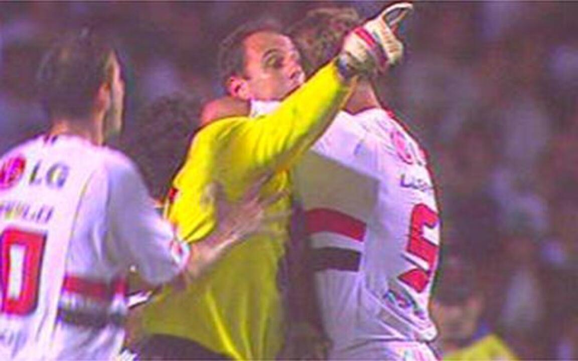 São Paulo vai às quartas-de-final da Libertadores 2006 com gol histórico de Rogério Ceni