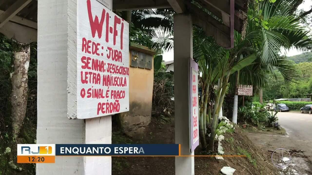 Morador de Lumiar, em Nova Friburgo, reforma ponto de ônibus e coloca até wi-fi