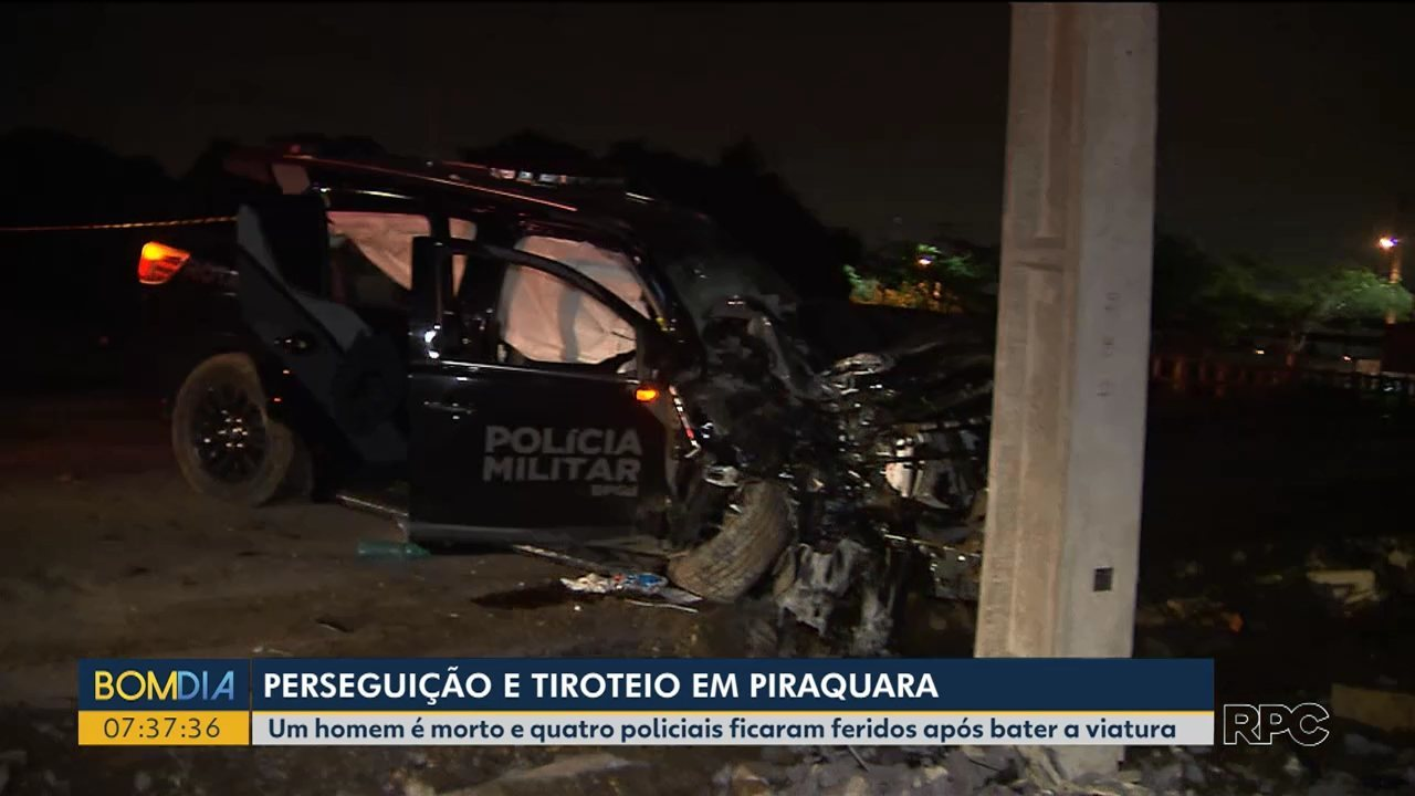 Viatura da polícia bate em poste, após tiroteio e perseguição em Piraquara