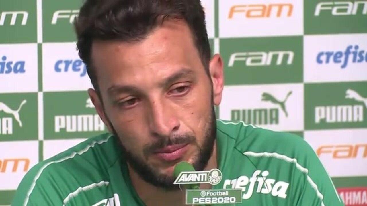 Edu Dracena se emociona em entrevista de despedida como jogador