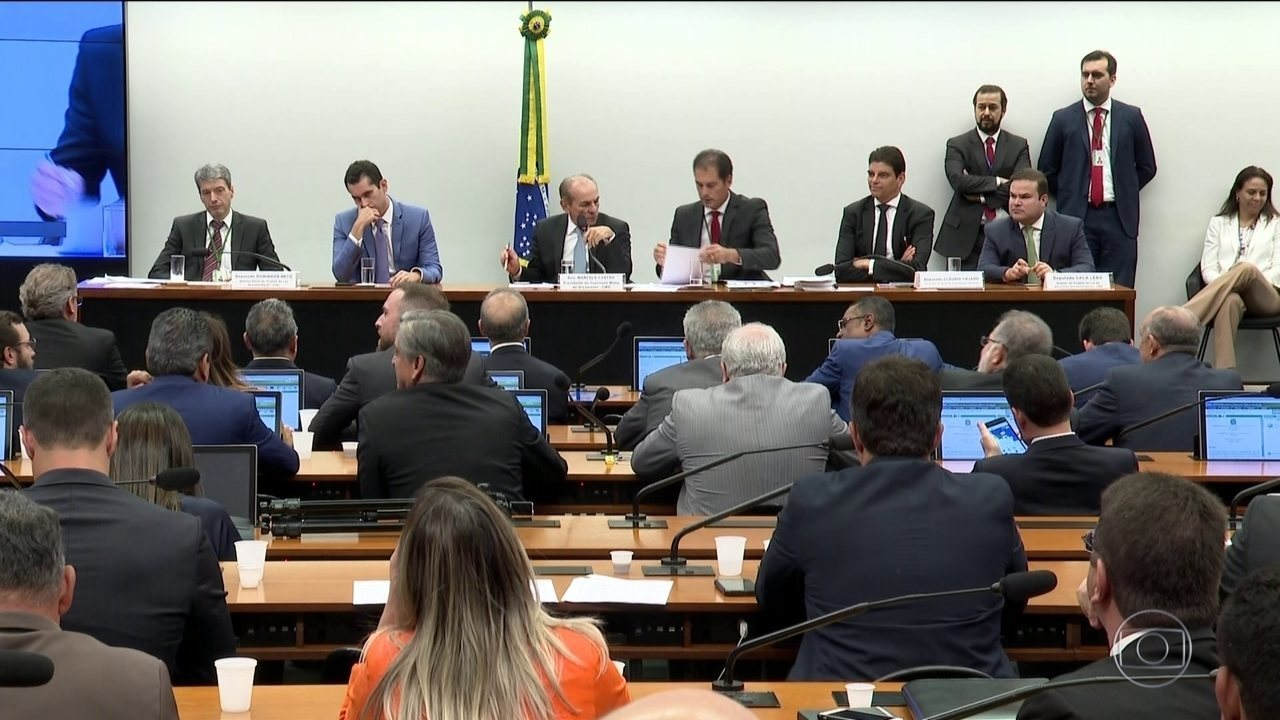Comissão mista do Congresso aprova elevação do fundo eleitoral