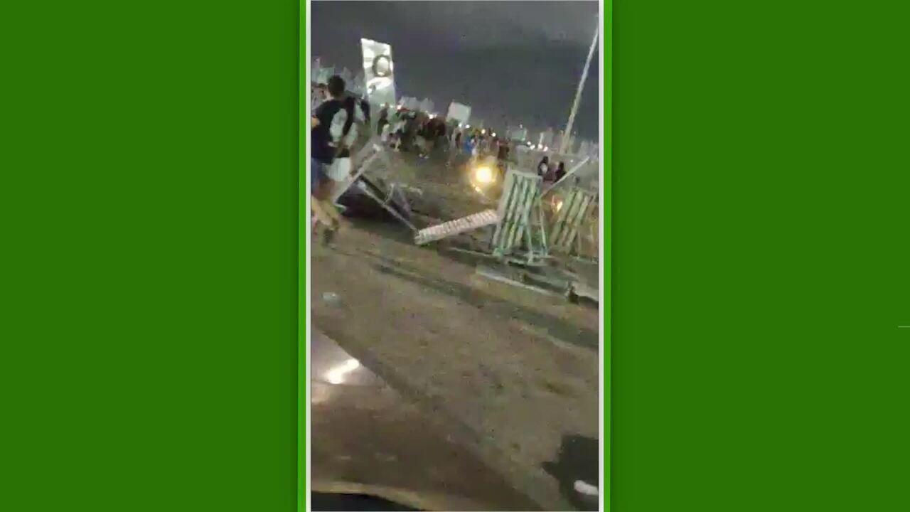 Castelão é depredado e tem placas derrubadas após partida entre Ceará e Corinthians