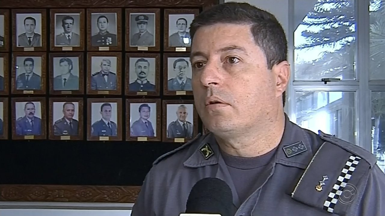 Policiais encontraram o carro em rodovia de Botucatu, circulando em alta velocidade