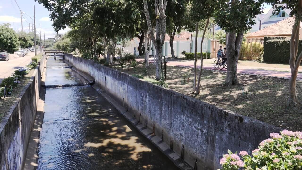 Michelly Correa conhece o trajeto do Rio Belém, em Curitiba (bloco 1)