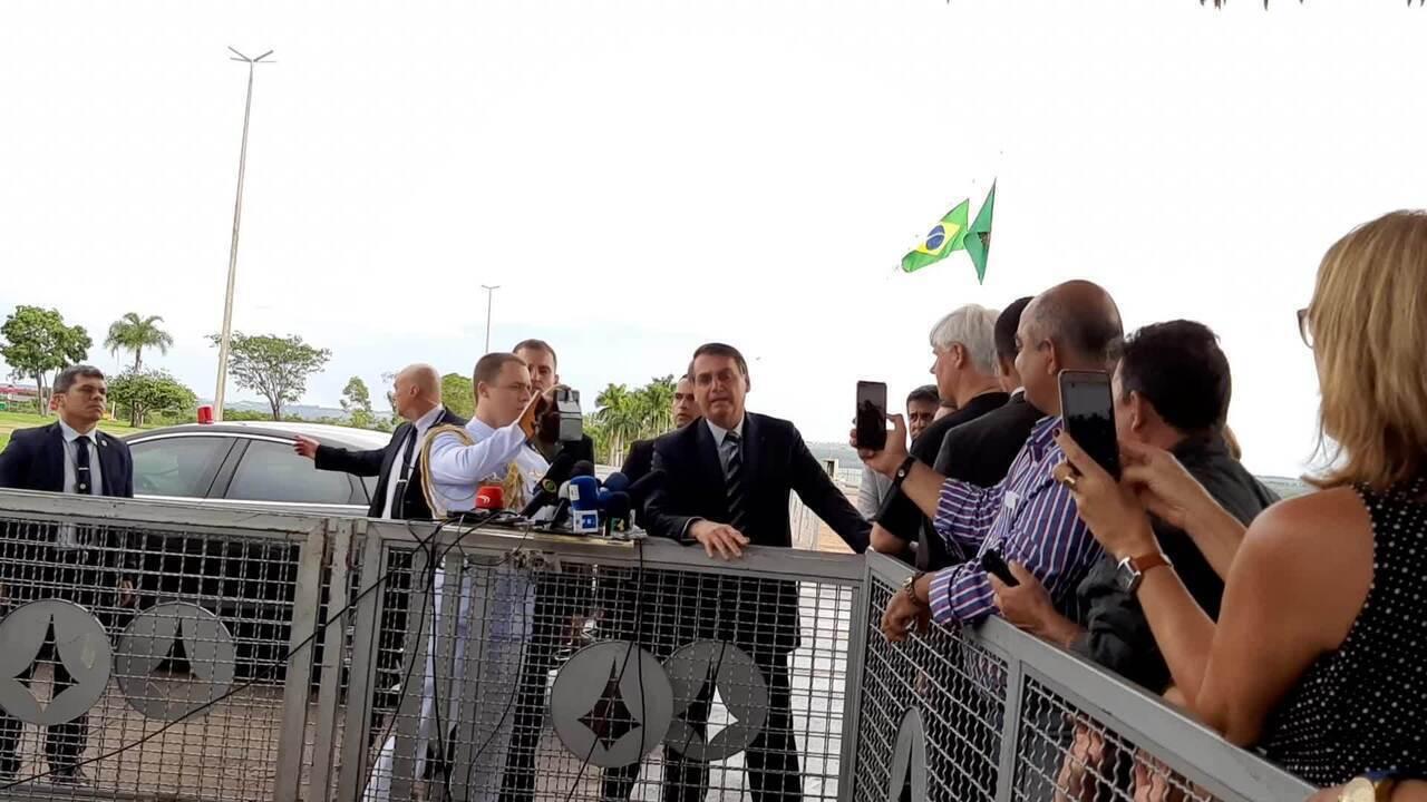 Em conversa com jornalistas, Bolsonaro chamou a ativista Greta Thunberg de 'pirralha'