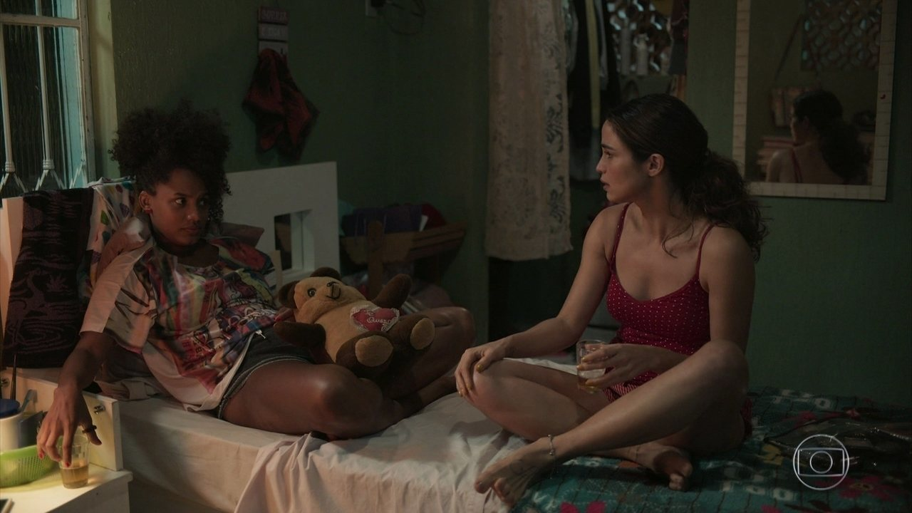 Érica conversa com Camila sobre sua paixão por Raul