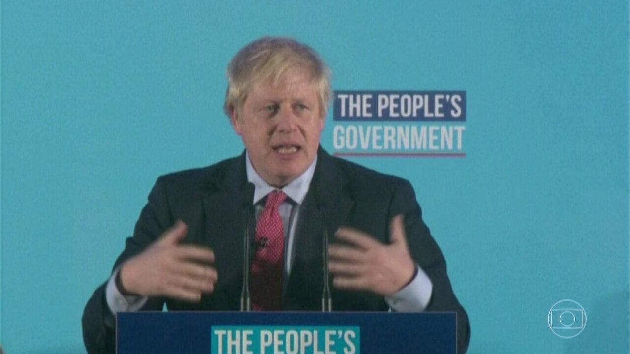 Vitória de Boris Johnson nas eleições britânicas deixa a saída da UE mais próxima