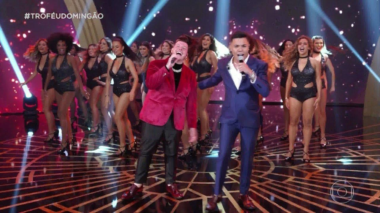 """Felipe Araújo e Ferrugem cantam """"Atrasadinha"""""""