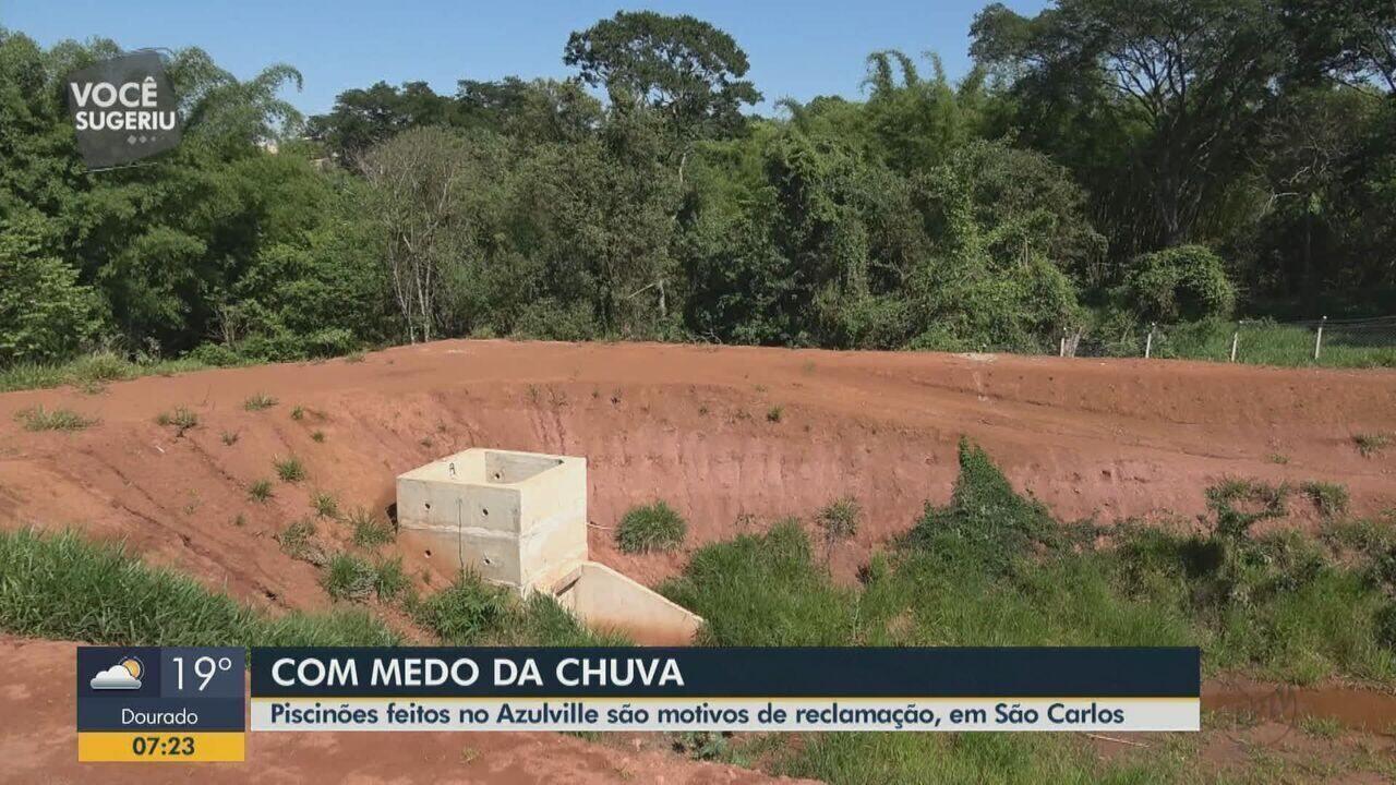 Piscinões feitos no Azulville são motivos de reclamação em São Carlos