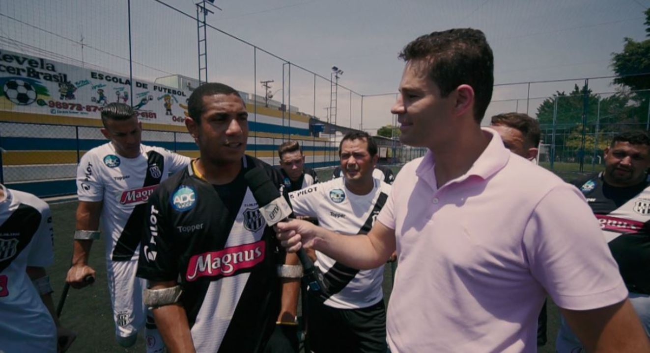Pedro e Cris conheceram uma modalidade de futebol para amputados