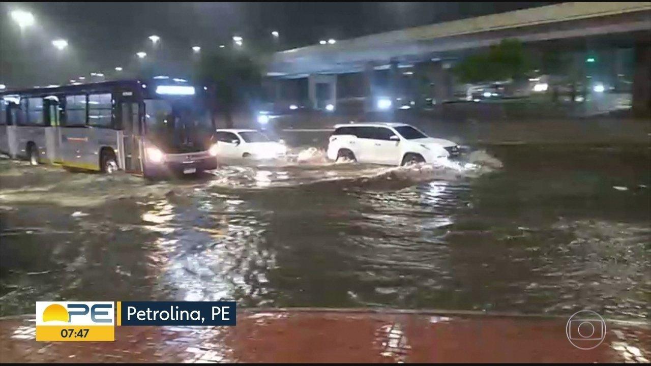 Chuva em Petrolina causa estragos e preocupa moradores