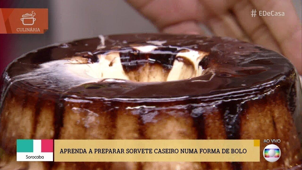 Aprenda a fazer sorvete caseiro com calda de chocolate