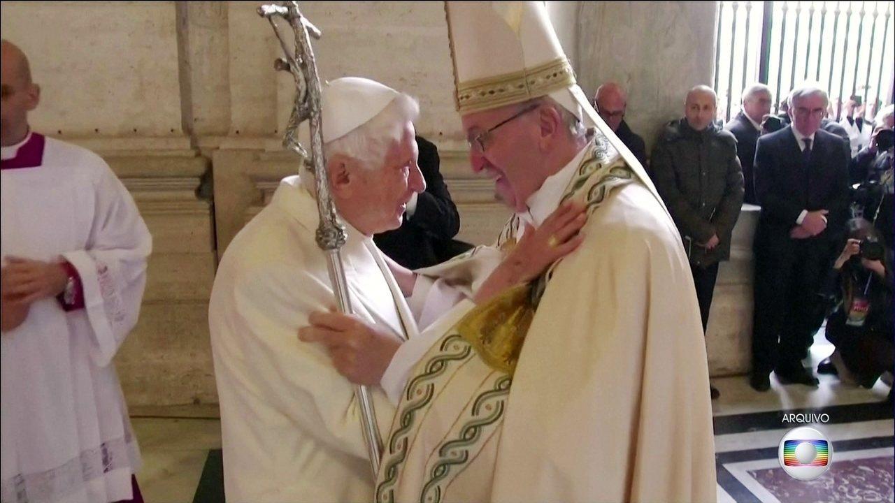 Papa emérito Bento XVI lança livro em que defende celibato de padres católicos