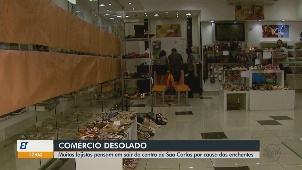 Lojistas pensam em sair do Centro de São Carlos por causa das enchentes