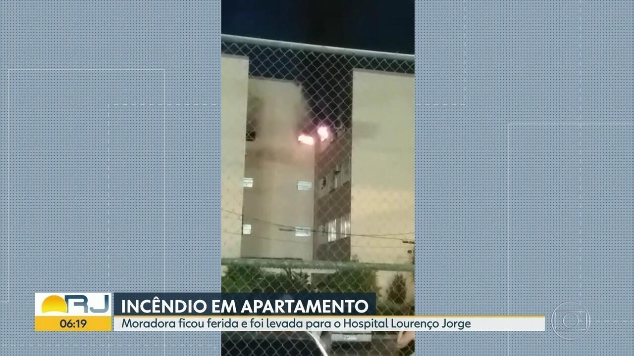 Mulher fica ferida durante explosão em Curicica