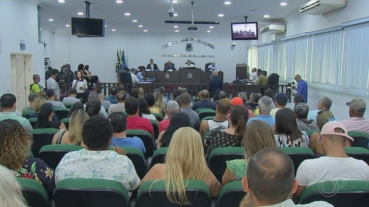 Câmara de Alumínio vota pela cassação do prefeito