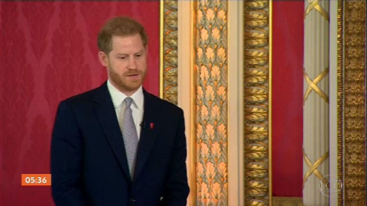 Príncipe Harry participa de sorteio da Copa do Mundo de Rugby após polêmica