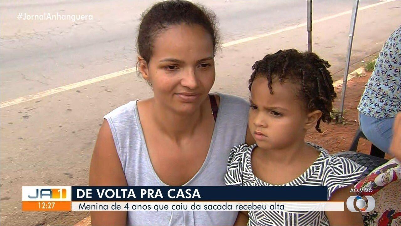Menina de 4 anos que caiu da sacada deixa hospital em Trindade